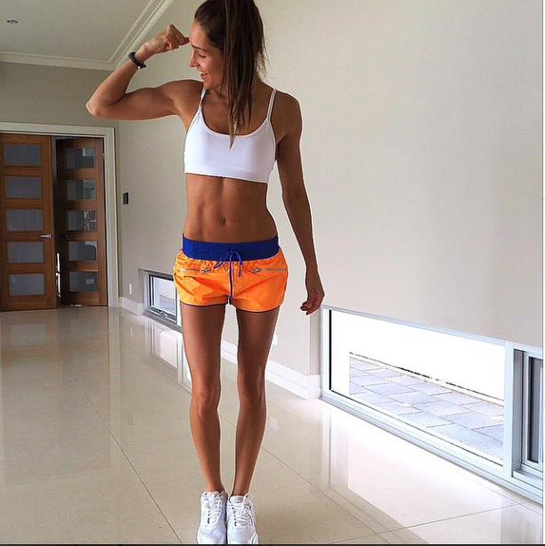 fitness model kayla itsines