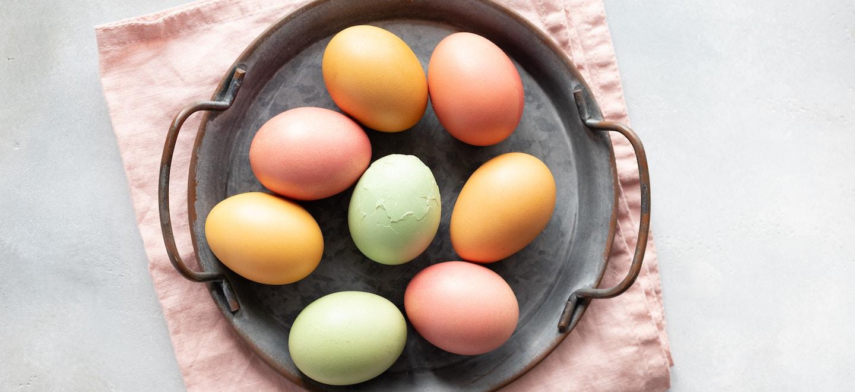 Gekochte Eier färben: Ostereier