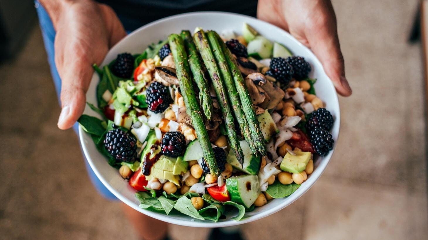 Paleo: 5 Benefits, die Dir die Steinzeit-Diät verspricht