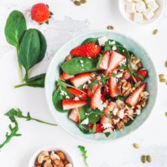 Erdbeer-Rucola-Salat mit Feta