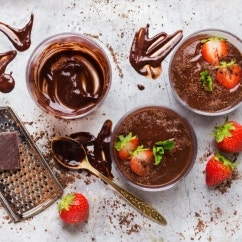 Selbstgemachte Mousse au Chocolat