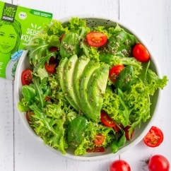 Cremiger Blattsalat mit Avocado und Dressing Mix