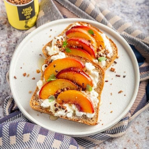 Süße Stulle mit Pfirsich