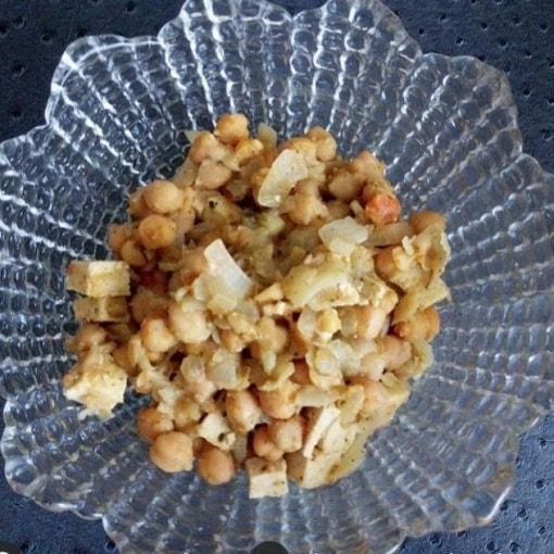 Kichererbsen-Tofu-Gemüse