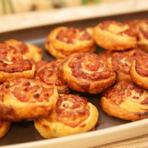Blätterteig-Pizzaschnecken