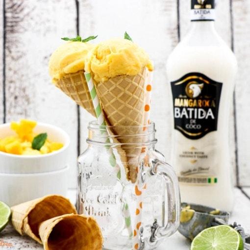 Kokos-Mango-Eis mit Schwips