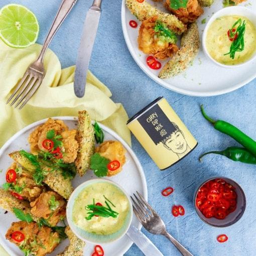 Asia Knusperhuhn, Avocadopommes & Mango-Curry Dip