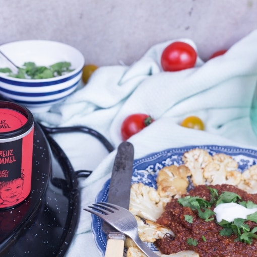 Blumenkohl Schnitzel mit Tomaten Quinoa