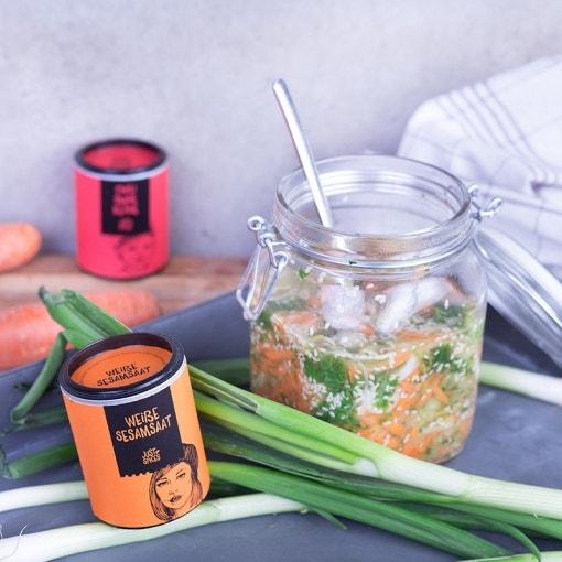 Gemüsesuppe mit Sesam