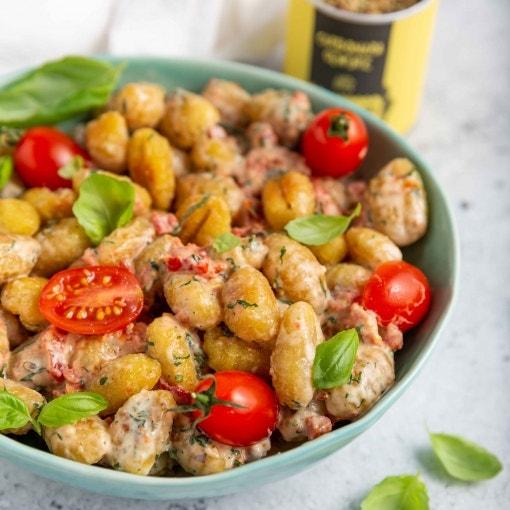 Gnocchi mit Tomaten und Basilikum