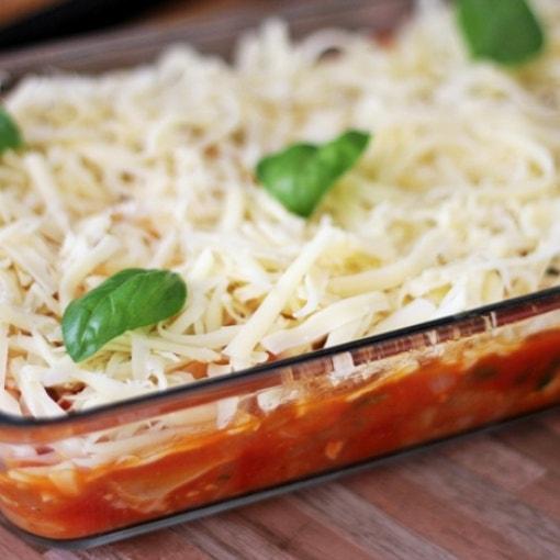 Ofenfleischküchle in Tomaten-Pilz-Sauce