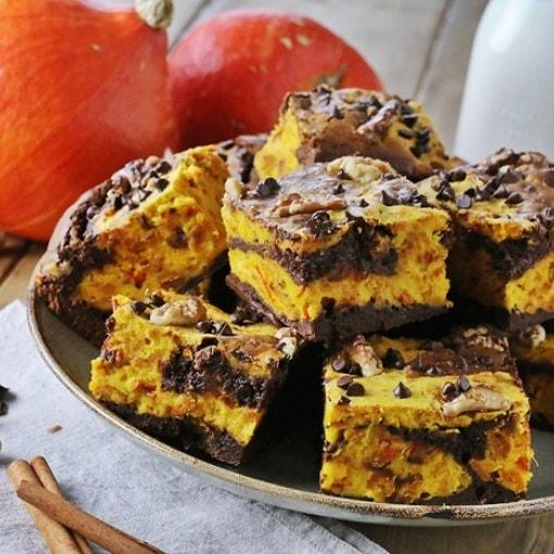 Schokoladen-Kürbis-Brownies mit Walnüssen
