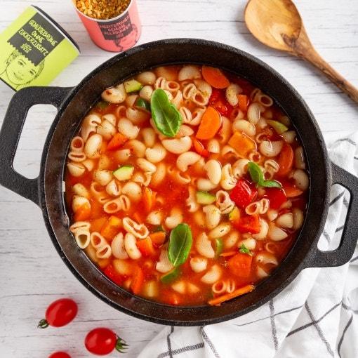 Schnelle mediterrane Gemüsesuppe