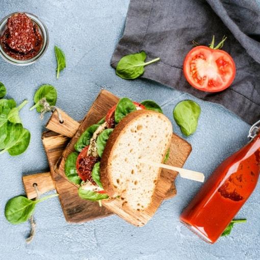 Sandwich mit spicy Tomaten-Ketchup