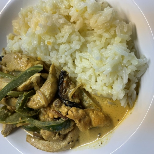 Curry Hähnchen mit Basmatireis