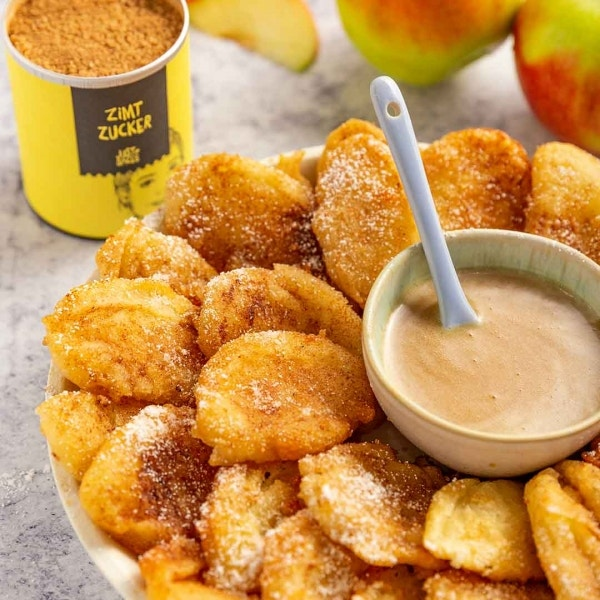 Apfelpommes mit Karamellsoße