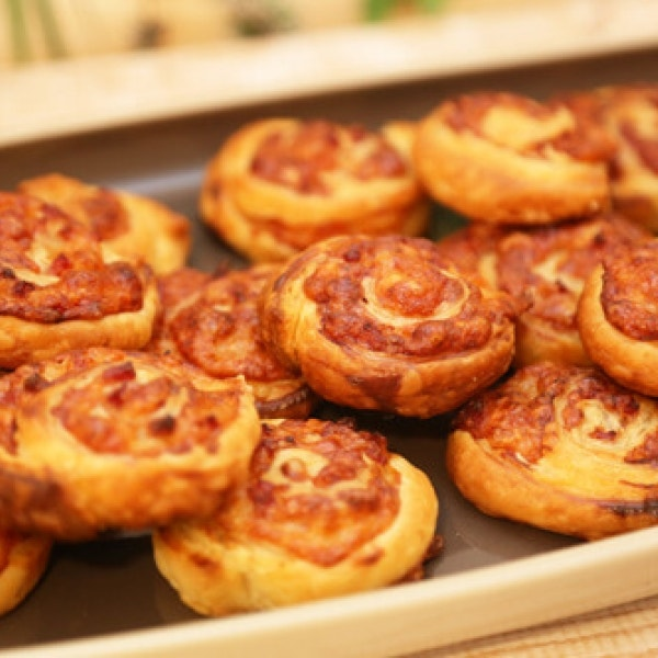 Thermomix Blätterteig-Pizzaschnecken