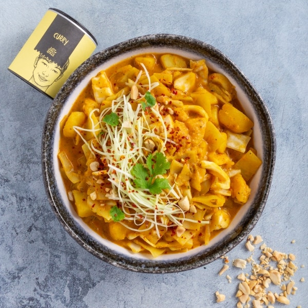 Scharfes Weißkohl-Curry