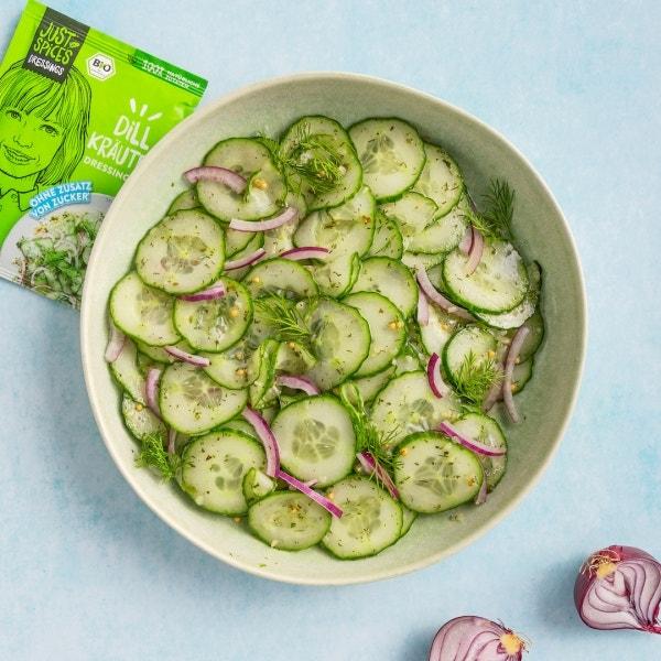 Würziger Gurkensalat mit Dressing Mix