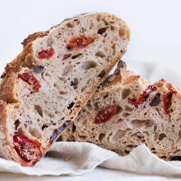 Dörr-Tomaten-Brot