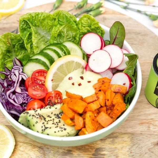 Süßkartoffelsalat mit Avocado Dressing