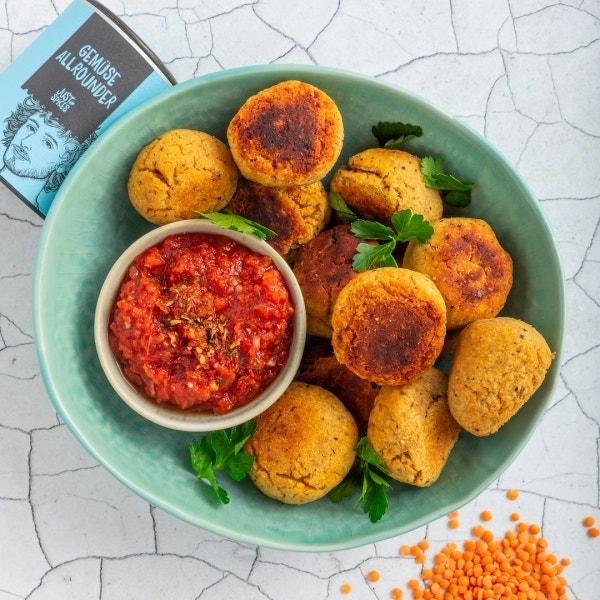 Vegane Linsenbällchen mit Salsa Dip