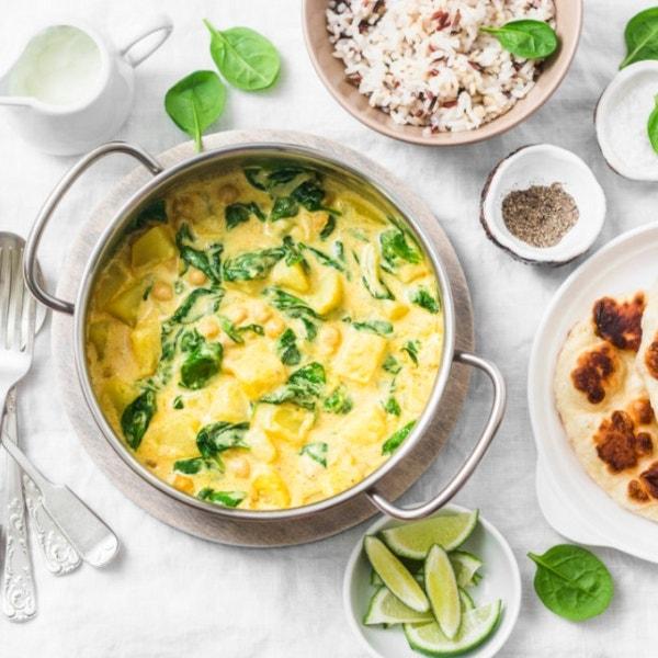 Kartoffel-Kichererbsen-Curry mit Spinat