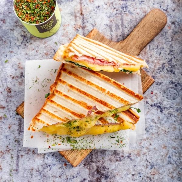 Käse Schinken Toast mit Spinat