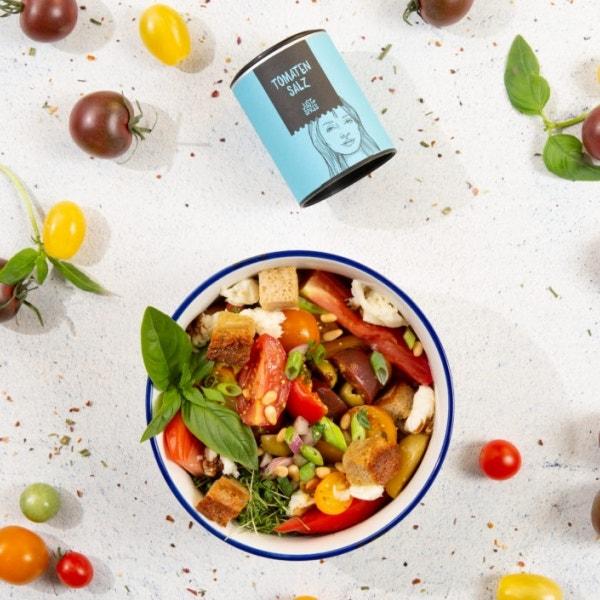 Sommerlicher Tomatensalat