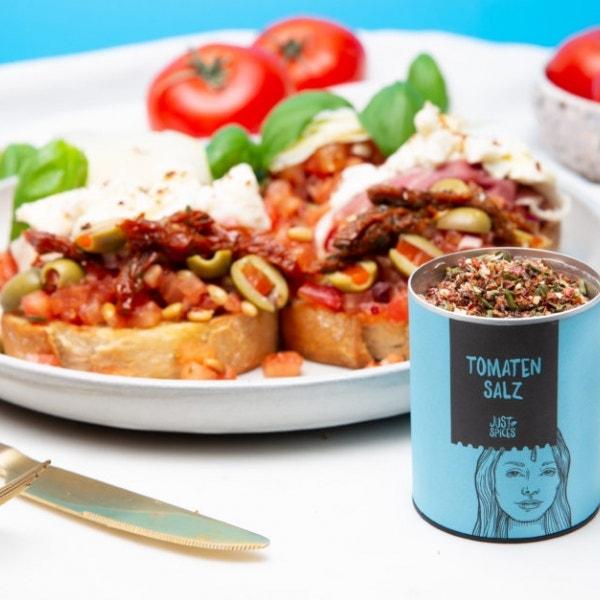 Tomaten-Bruschetta in drei Variationen